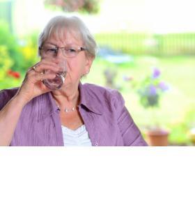 Les personnes âgées constituent un groupe à risque en période de canicule. dr
