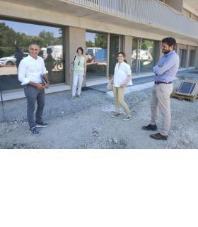 Les travaux s'achèvent dans l'immeuble qui accueillera ses locataires début septembre.  De g.à d.: Federico Neder, Sheila Buemi-Moore, Anne Carron et Thibault de Reure.