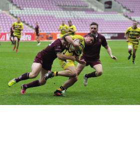 Le club de rugby grenat espère retrouver sa pelouse pour la seconde partie de saison.