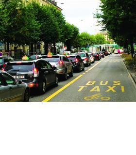 Sans client, les taxis n'ont plus le droit d'emprunter les voies de bus. DR