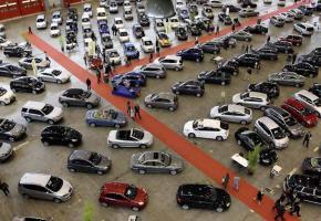 Les visiteurs pourront faire leur choix parmi plus de 700 véhicules exposés. DR