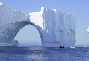Le Groenland est royaume des icebergs géants.