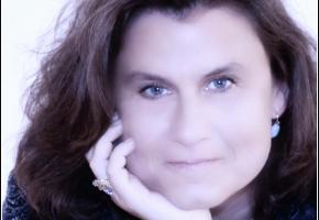 Sandra Widmer Joly, journaliste, célébrante laïque en funérailles