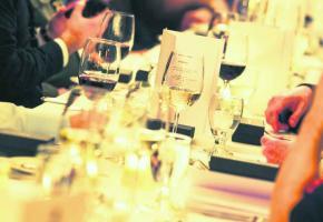 Il est important de bien vérifier sa facture lorsqu'on va au restaurant en groupe!