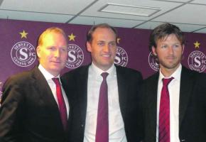 Mirko Müller, directeur général, Hugh Quennec, président du Club et Philippe Kneubuehler, directeur opérationnel, forment l'équipe dirigente du nouveau Servette.