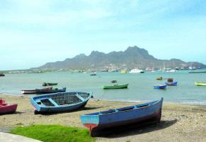 La baie de Midelo sur l'île de Sao Vicente.