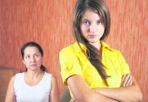 La thérapie systémique à la maison pour dénouer les tensions, notamment, entre un parent et son adolescent.