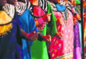 Des rythmes traditionnels associés à une danse énergique et expressive.