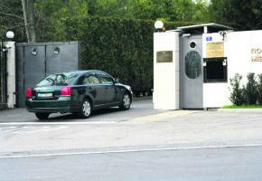 Les ambassades mobilisent un dispositif sécuritaire de pointe.