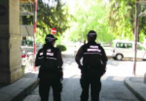 En une journée, les agents de la police municipale peuvent parcourir plus d'une dizaine de kilomètres à pied.