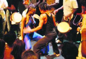 Les participants pourront notamment s'initier aux rythmes africains.