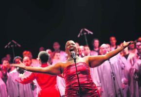 Dominique Magloire, une chanteuse aux talents multiples.