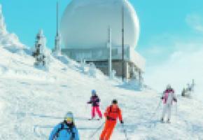 Le plus grand domaine de ski transfrontalier de l'Arc jurassien offre un bon enneigement et du ski