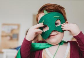 Il est essentiel de concevoir un enseignement qui considère les compétences socio-émotionnelles des enfants. UNSPLASH