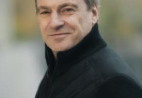 Le concert a été interprété sous la direction de Jonathan Nott. GUILLAUME MéGEVAND