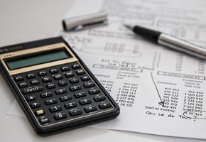 Désormais, l'impôt à la source est calculé selon deux modèles: annuel ou mensuel. DR