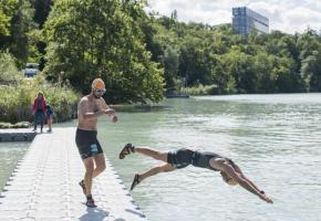 Après deux éditions annulées, les participants se jetteront à nouveau dans le Rhône, ce dimanche 29 août. VERNIER.CH