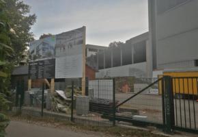 L'accès au chantier se fait par l'étroit chemin de la Petite-Boissière rendant la situation dangereuse notamment pour les piétons.