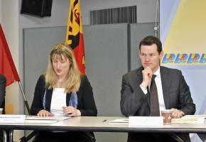 Monica Bonfanti, cheffe de la police, et Pierre Maudet, conseiller d'Etat en charge  du Département de la sécurité. DAVID ROSEMBAUM-KATZMAN