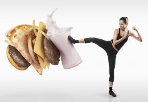Une alimentation déséquilibrée et trop riche est néfaste pour nos articulations. ISTOCK/TIJANA87