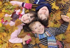 Il existe des méthodes naturelles efficaces pour garder vos enfants au top durant l'hiver. ISTOCK