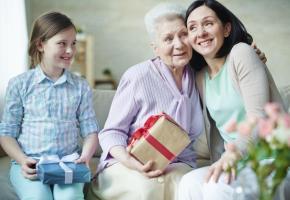 A la recherche d'un cadeau original pour fêter votre maman? ISTOCKSHIRONOSOV