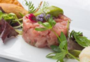 Tartare de veau au citron et pistaches - ISTOCK/BRANDLMICHAELA