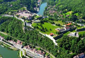 Forteresse du XVIIe siècle signée Vauban inscrite au Patrimoine mondial de l'Unesco, la Citadelle domine la capitale comtoise. DAVID LEFRANC