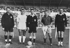 Gilbert Dutoit (2e à droite) avait affronté le grand Real Madrid en 1955 aux Charmilles. DR