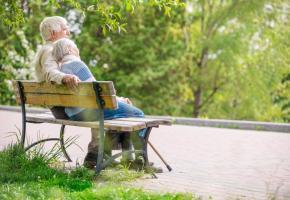 En 2050, on pourrait compter près de 50'000 Suisses centenaires. 123RF/PHOTOBAC