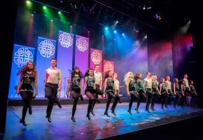 Le spectacle, baptisé «Connemara Tour», fait appel à une vingtaine d'artistes professionnels. DR