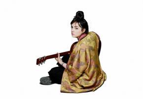 Avec sa guitare acoustique et sa voix éraillée, Hoshi exprimera sa rage  et sa jeunesse  sur la scène de la salle communale  de Plainpalais,  le 23 mars. DR
