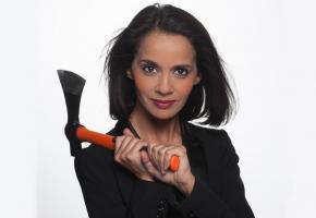 Quand il s'agit de faire rire, Sophia Aram n'y va pas avec le dos de la cuillère. DR