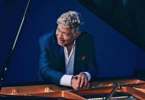 Le pianiste Monty Alexander, légende vivante du jazz, sera en concert le 14 août. DR