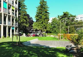 Les eaux des toilettes sont traitées sous la terrasse en bois du jardin de l'immeuble Soubeyran, sans odeurs particulières. ATBA