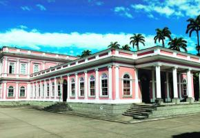 Le palais d'été de l'empereur Pierre II devenu le Musée impérial du Brésil.