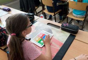L'école genevoise fait-elle fausse route en matière d'enseignement du numérique?  Une chose est sûre, les critiques se multiplient. DR