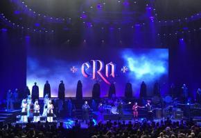 Quarante chanteurs et musiciens seront présents sur la scène de l'Arena. DR