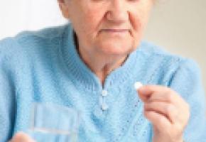 La prescription de benzodiazépines augmente avec l'âge et les femmes  en consomment deux fois plus que les hommes. 123RF/ALEXANDER RATHS