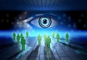 Dans le monde numérique, Big Brother vous surveille. Prudence! 123RF/ANDREA DANTI