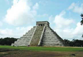 Les touristes affluent et les reportages sur les vestiges Maya du Mexique n'ont jamais été si nombreux.