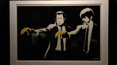 Des bananes à la place des flingues des tueurs du film mythique «Pulp Fiction». MARIE PRIEUR