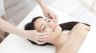 Un moment de détente pour éliminer le stress et retrouver une peau lisse. 123RF/PAYLESSIMAGES