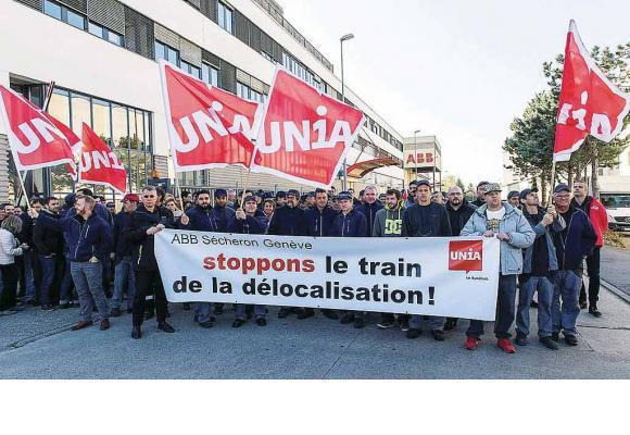 Manifestation des salariés d'ABB Sécheron, en octobre 2017, contre la menace de délocalisation. unia.ch