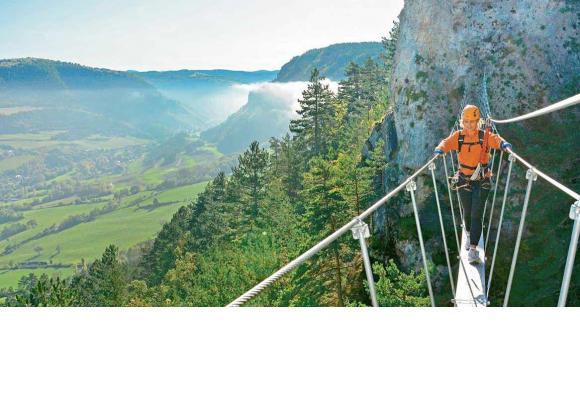 Le département, situé dans le nord-est de la région Occitanie, offre des paysages grandioses aux amateurs de sensations fortes. lozère tourisme
