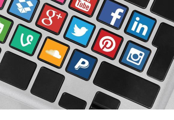 Les réseaux sociaux, un espace de liberté qu'il faut préserver. 123RF