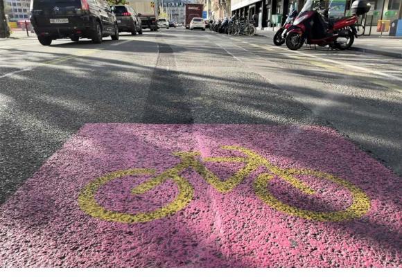 Voie de bus et piste cyclable avenue du Mail. Les Verts tentent d'imposer leur vision. FRANCIS HALLER