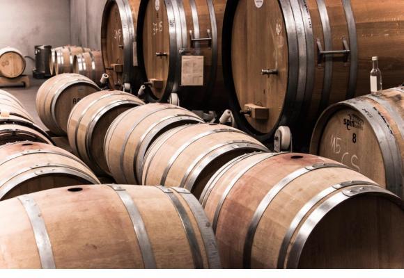 L'investissement dans le vin se démocratise depuis quelques années. PXHERE