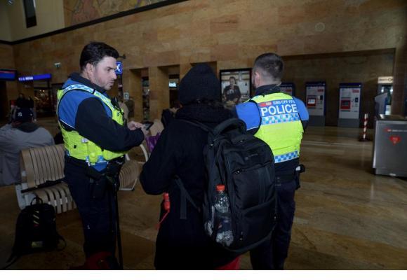 La police des transports patrouille très régulièrement dans les gares et les trains. STéPHANE CHOLLET