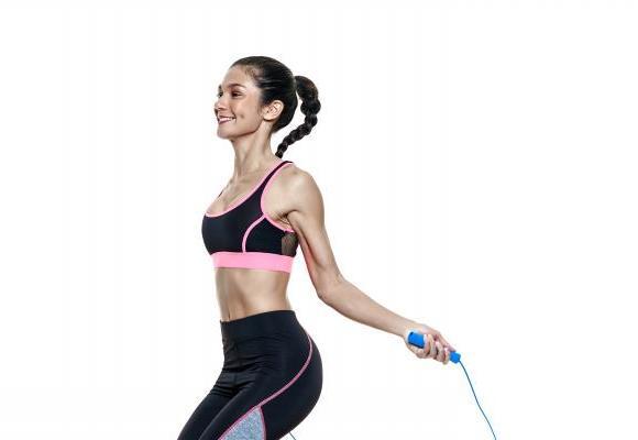 La corde à sauter, un exercice très efficace et que l'on peut pratiquer partout.  GETTY IMAGES/OSTILL